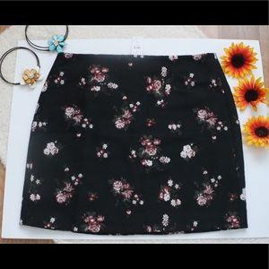 NWT Ann Taylor Loft Women's Floral Skirt